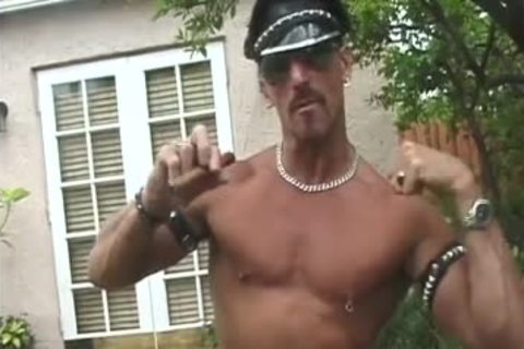 Leather Muscle daddy jerking off