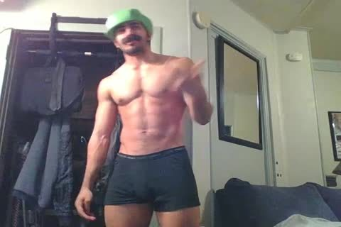 wild str8 Hunk Disguised As Luigi Shows Off And Plays With A Fleshlight