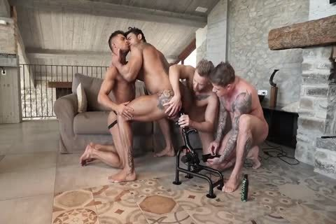 FOUR dude orgy