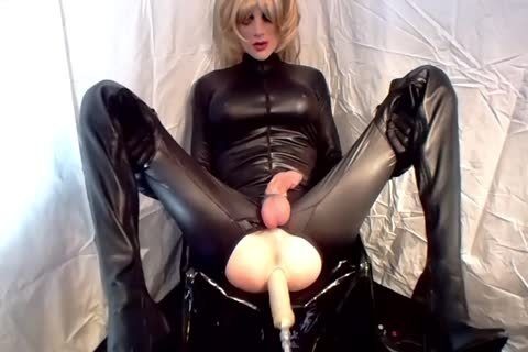 Sissy receives nailed