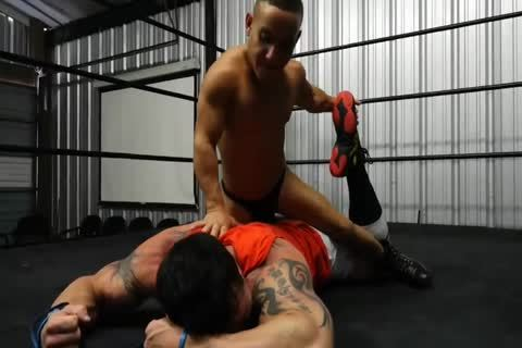 Muscle stud Beat Up By Midget