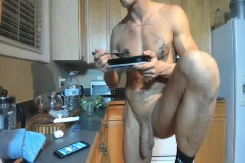 Hung pumped up fellow Showing Off In The Kitchen