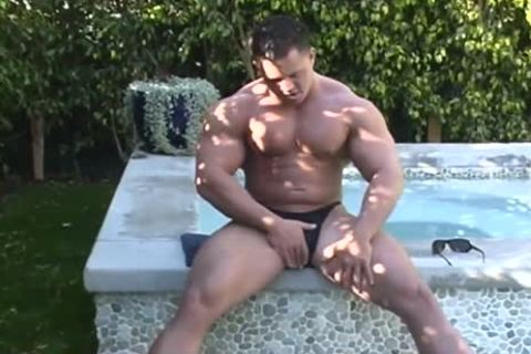 Muscle Pit - Full video