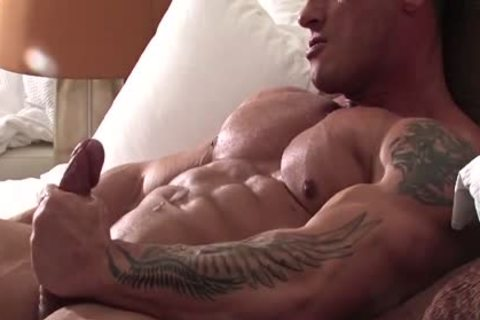Bodybuilder Solo