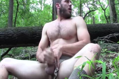 Public Jerkoff In The Woods