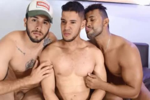 three-some latin chick boys Free Sex Chat Porn On Cruisingcams.com