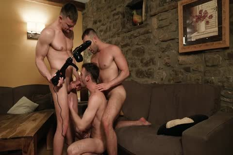 banged By two men And A Fuckmachine