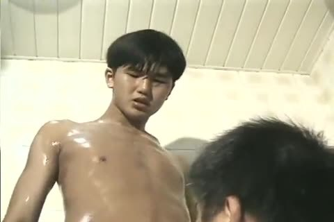 delicious Soapy Shower engulf