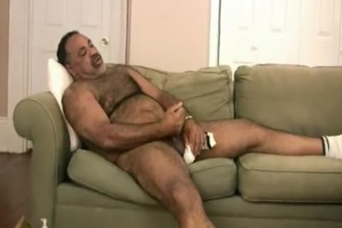 Latino pretty Bear
