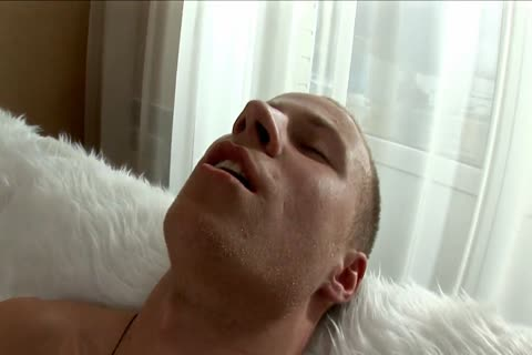 lusty blond with ribald body makes himself love juice